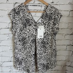 Black and White Blouse sz S